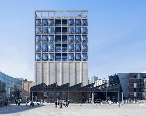 Heatherwick Studio have transformed Cape Town's disused grain silo complex into a major new museum / Iwan Baan