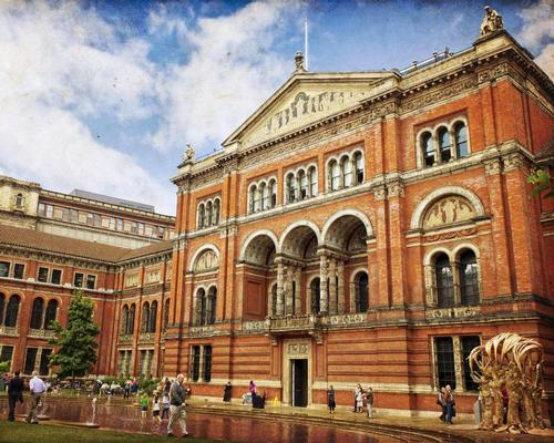 Brexit threatens to reduce museum collections says head of Victoria and Albert