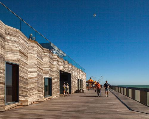 Hastings Pier by dRMM Architects has been announced as the winner of the 2017 RIBA Stirling Prize for the UK's best new building / Francesco Montaguti