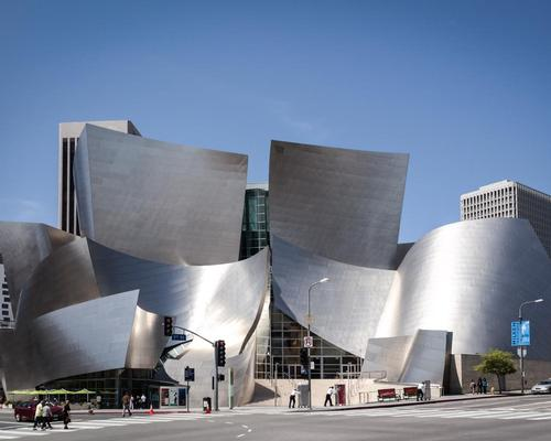 The world-famous Walt Dinsey Concert Hall, home to the LA Philharmonic orchestra, was completed by Gehry in 2003 / Wiki Commons
