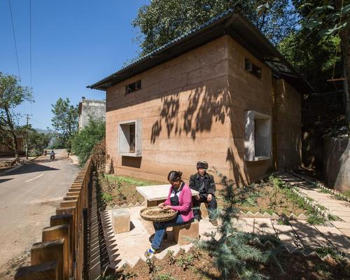 Designed by a team of researchers at the Chinese University of Hong Kong, the rammed-earth structure is a resilient prototype home / World Architecture Festival