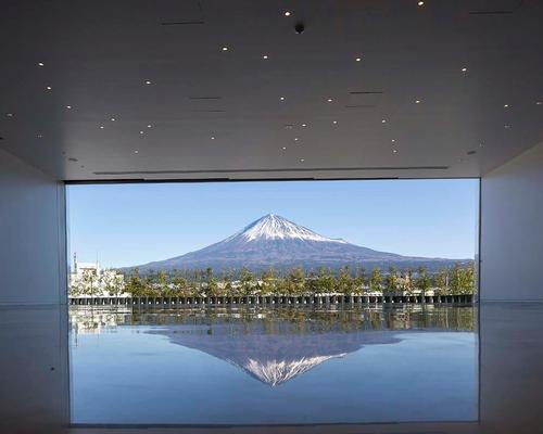 A viewing tower in the cone with full-height glazing frames views of the Mount Fuji in the distance / Shigeru Ban Architects
