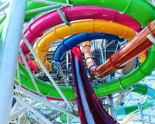 Covering 80,000sq ft (7,400sq m), the indoor/outdoor attraction features 11 waterslides