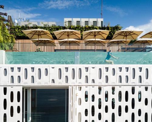 Chad Oppenheim and Arthur Casas create shape-shifting hotel on Rio's Copacabana beach