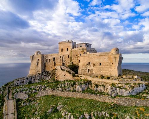 The fortress was once a prison, but has stood abandoned for more than a century / YAC