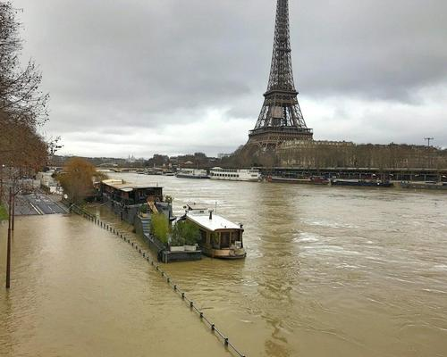 Submerged Paris threatens French capital's museums