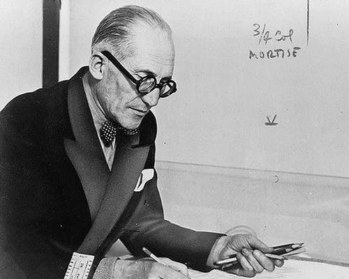 Based on his concept of a 'museum of unlimited growth', Le Corbusier created three museums following plans that allowed for future expansion / Flick
