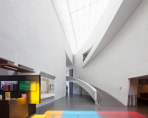 The curving walls of Holl's Kiasma Museum of Contemporary Art in Helsinki / Steven Holl Architects