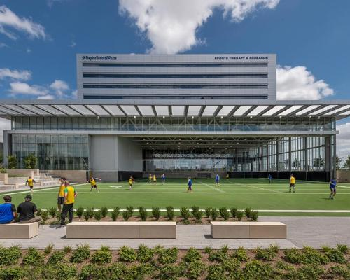 The building has been designed to put 'human health and sports performance on public display' – from injury prevention to training to healing and recovery / James Steinkamp