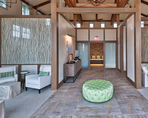 Designed by Oakland-based firm Nina Ciappa Interiors and design firm TLCD Architecture, the spa includes a new entrance, airy guest reception and retail space