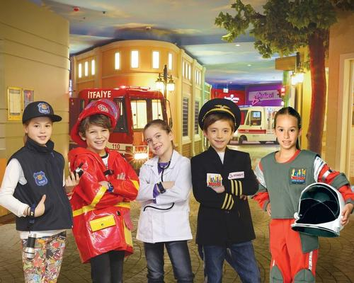 The Melbourne Kidzmondo mini-city will have such institutions as an airport, a fire station, a hospital and a race car track for children to ensure the running and upkeep of
