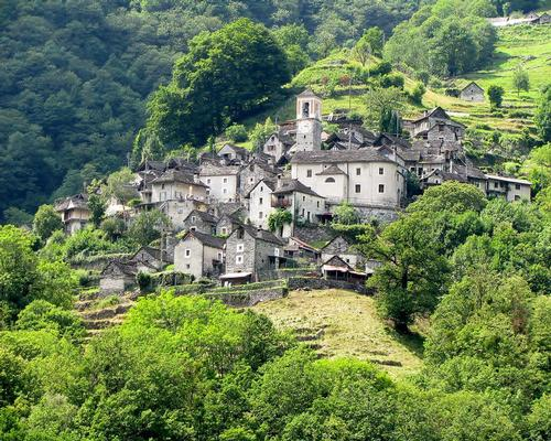 With just 12 inhabitants, Corippo is the smallest municipality in Switzerland. / Photo via Wikimedia Commons