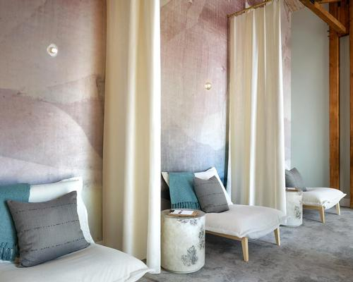 The spa design, spearheaded by Farouki Farouki, echoes the natural scenery of the spa's locale on the California coast