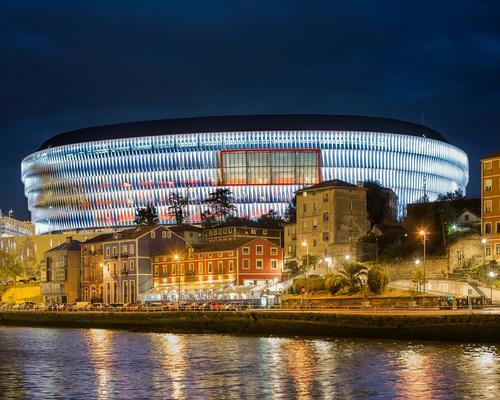 The new San Mames is illuminated at night by a dynamic lighting system / ACXT-IDOM