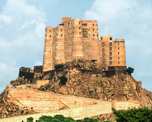 Alila has five properties in Asia due to open in 2016, including the Heritage property Alila Fort Bishangarh, which will launch in Q4 following the restoration of the 230-year-old Rajasthan Fort / Alila