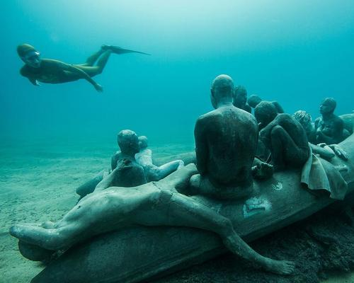 The centrepiece of the exhibition is a sculpture called The Raft of Lampedusa / Jason deCairnes Taylor