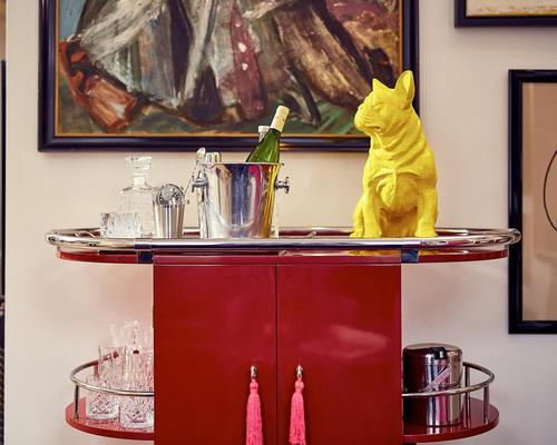 The rooms and suites are filled with quirky props and design details / Pulitzer Amsterdam