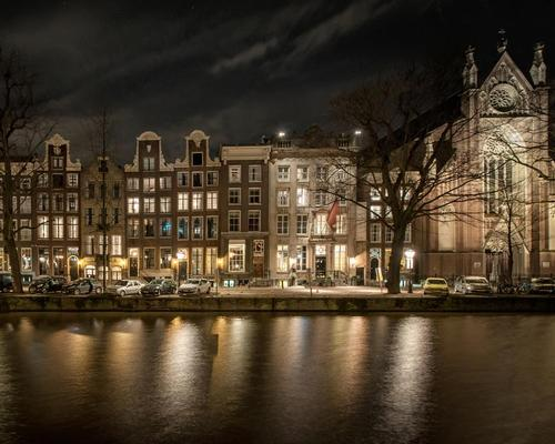 The hotel is spread across 25 interlinked buildings that are over 400 years old / Pulitzer Amsterdam