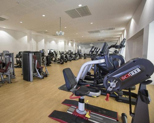 There is also an extensive gym with the latest exercise equipment from Life Fitness