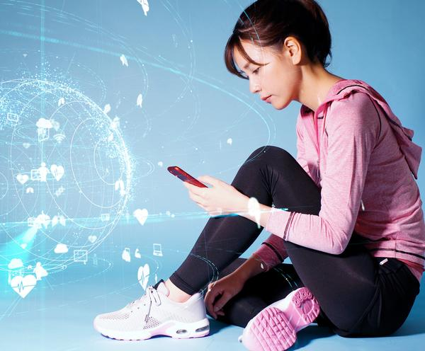 Minton says virtual assistants such as Siri and Alexa know nothing about health clubs, gyms or leisure centres / PHOTO: SHUTTERSTOCK.COM