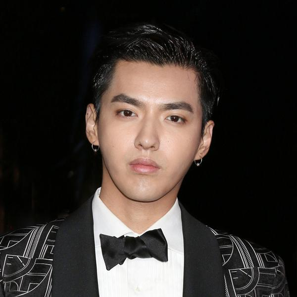 The NFL worked with Chinese celebrity Kris Wu in order to gain Chinese fans / © shutterstock/Kathy Hutchins