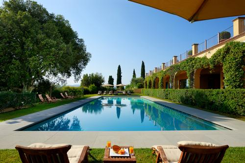 The wider estate features tennis courts and a heated outdoor swimming pool, as well as a COMO Shambhala Retreat, known for its healing, restorative treatments and expert therapists
