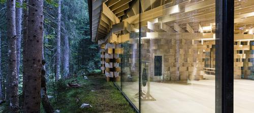 The structure's facade and ceiling are comprised of more than a thousand fir wooden boards. / Image courtesy of Das Kranzbach