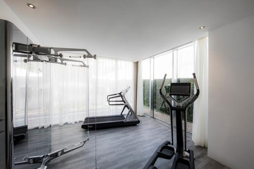 Other on-site facilities include a fitness centre and a spa treatment room / Le Blanc Spa Resort Los Cabos