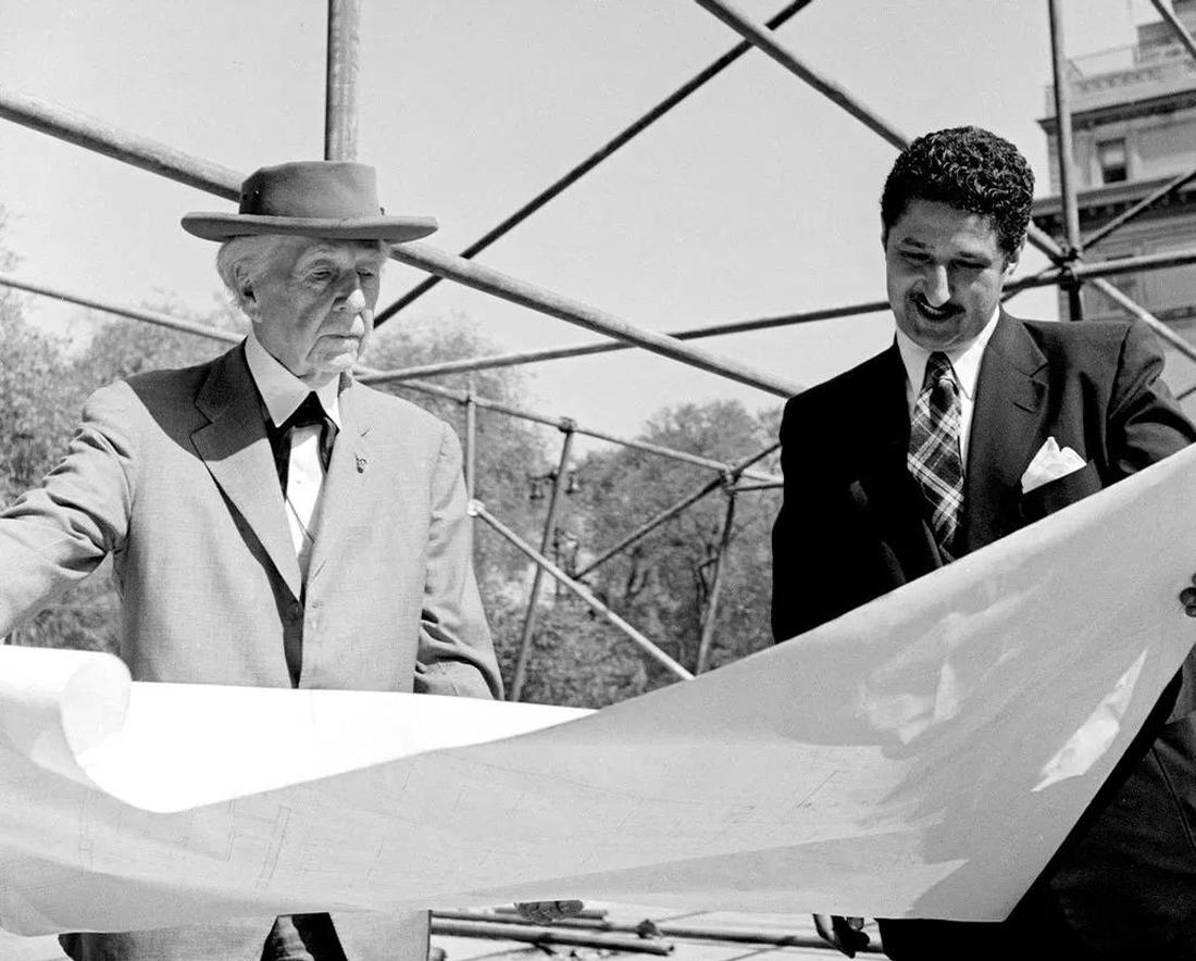 Frank Lloyd Wright (left) and colleague David Henken reviewing architectural drawings for the Guggenheim in 1953 / Solomon R. Guggenheim Museum