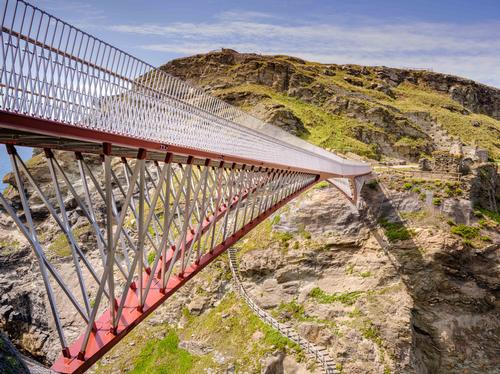 The bridge is constructed from two 33m-long cantilevers / English Heritage/Jim Holden