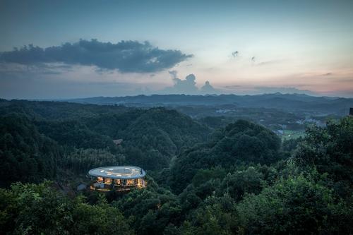 The Yanshang is a smaller residence than the Dinghui / Jin Weiqi