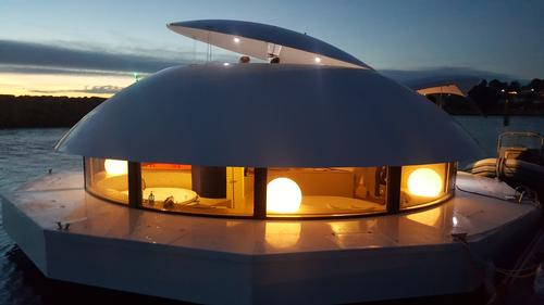 At the top of the pod, there's a solarium for up to 12 people / Yann Richard