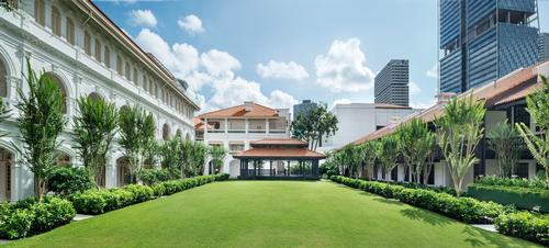 The lawn at Raffles Singapore / Accor