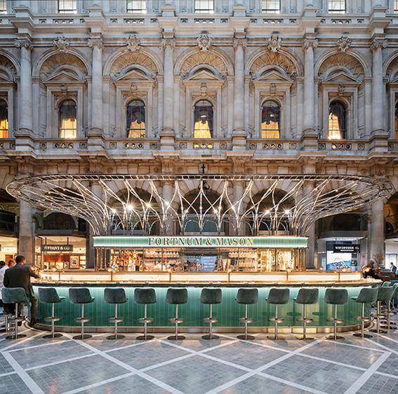 The Fortnum's Bar and Restaurant at The Royal Exchange / Andrew Meredith