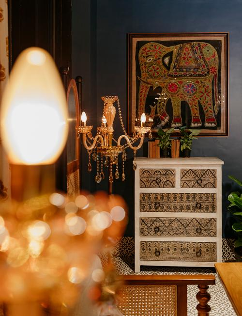 Furniture like floor lamps from the 16th and 17th centuries celebrates Indian tradition / Darshan Savla