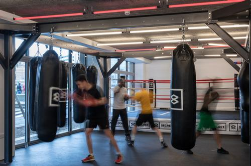 There are steel frames from which to hang punch bags / LXA