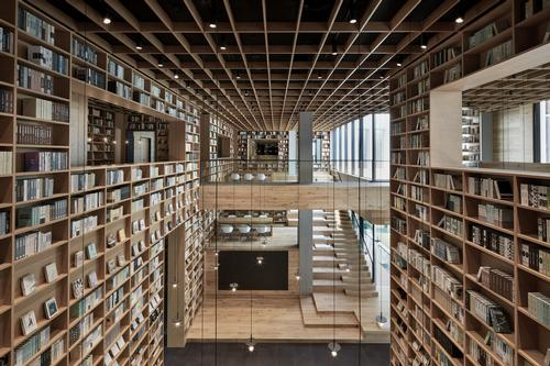Bookshelves stretch up to 10m (33ft) high / Xiangyu Sun
