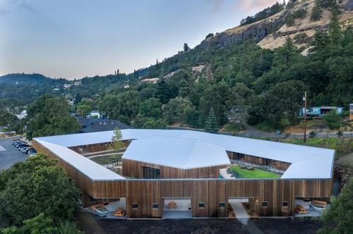 Society Hotel Bingen covers 20,000sq ft (1,900sq m) / Sean O'Connor