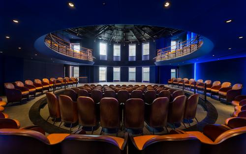 The auditorium allows for scene changes and for different room configurations / SODA Studio