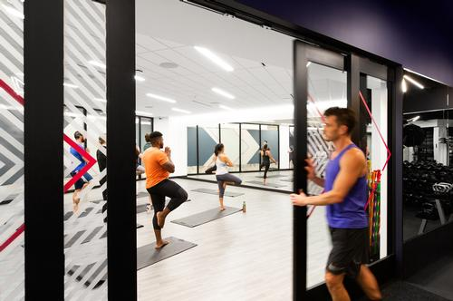 The exercise studio is light and bright for hosting group classes / Rafael Soldi