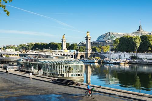 From onboard, visitors can see the Eiffel Tower, the Grand Palais and the Place de la Concorde / Sergio Grazia