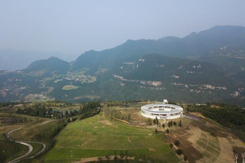 The museum is set on a 3,000sq m (32,300sq ft) hilltop site / Gao Tianxia