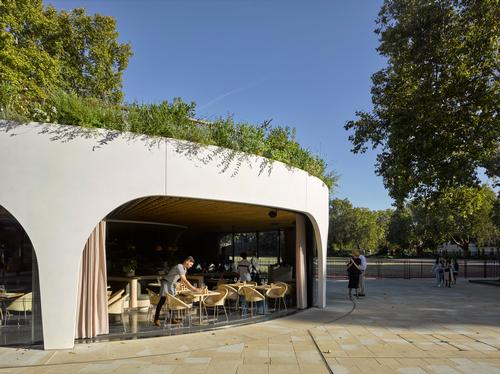 The restaurant's arches allow it to be opened up to the outside / James Brittain