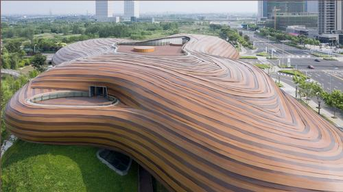 There are terraces from which people can take in views of the surroundings / Xia Zhi