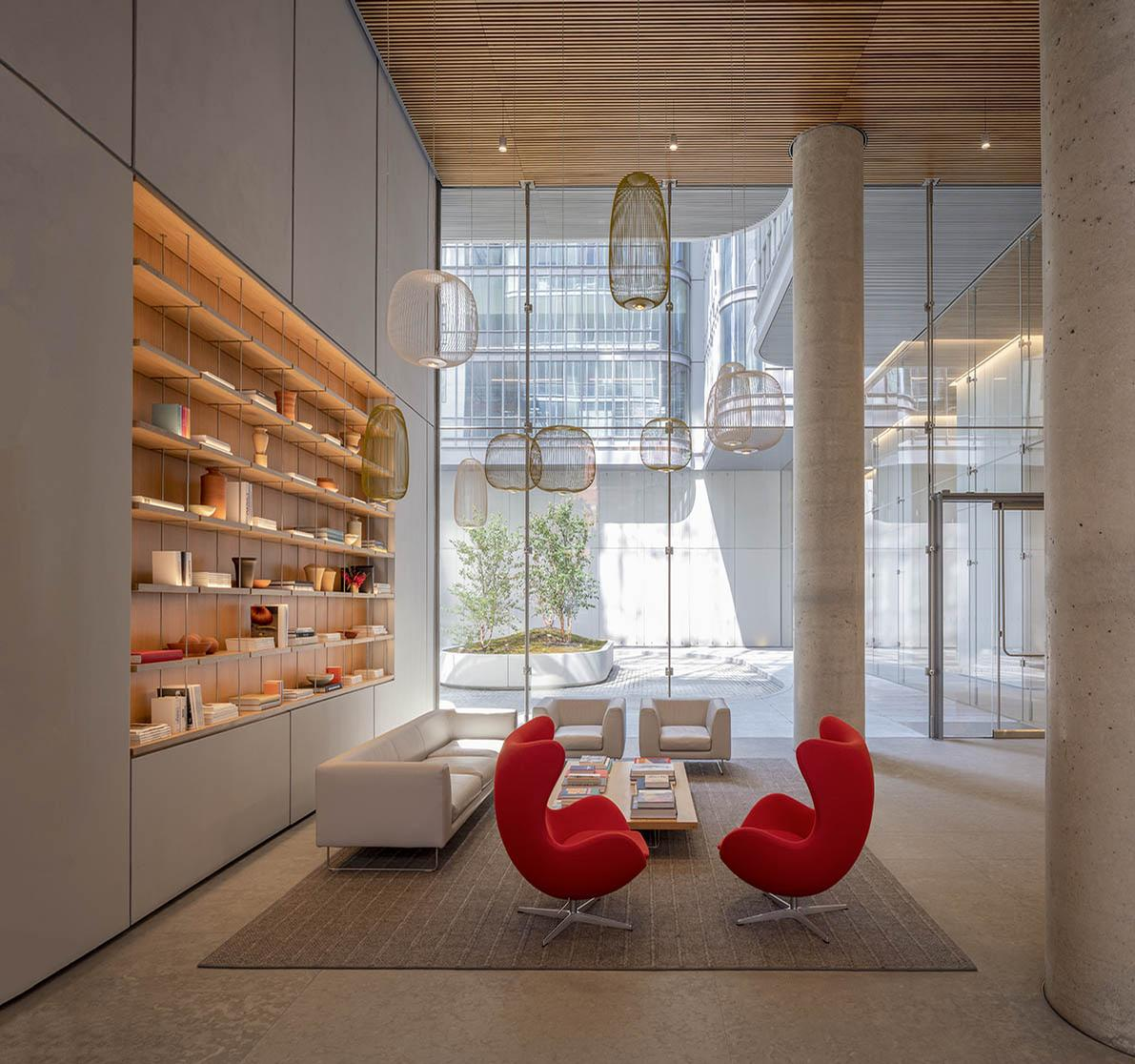 565 Broome SoHo is designed by Renzo Piano Building Workshop / Anna Morgowicz