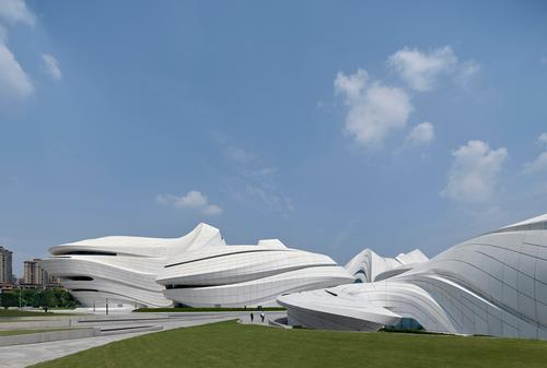 the centre was designed by Zaha Hadid Architects / Virgile Simon Bertrand