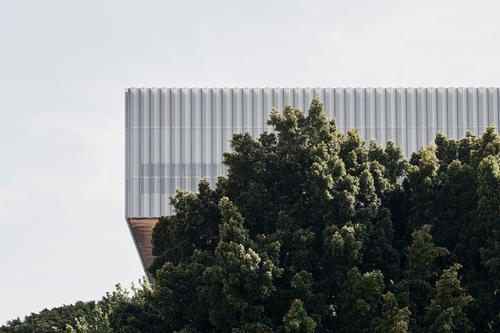 The project has tripled the size of the museum / Peter Bennetts, courtesy of Hassell + OMA