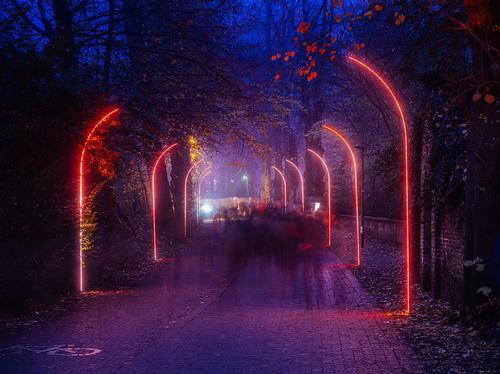 The Gate creates a tunnel effect with LED lighting / Kris Van De Sande
