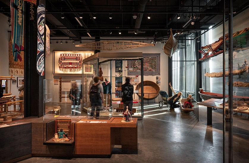 The building houses a 16 million-strong collection of artifacts and specimens / Olson Kundig / Aaron Leitz