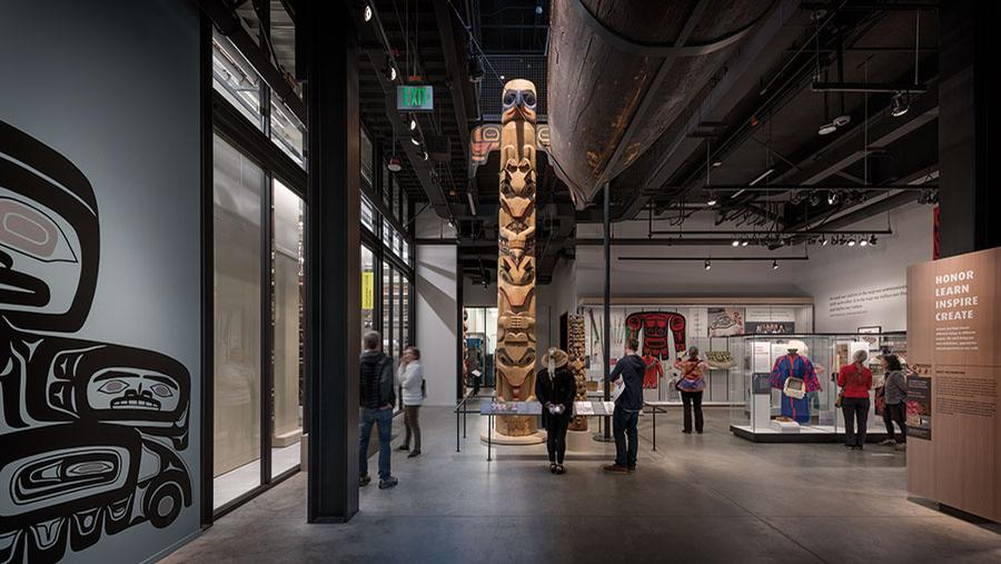 The museum houses six galleries, as well as 12 visible labs and workrooms / Olson Kundig / Aaron Leitz
